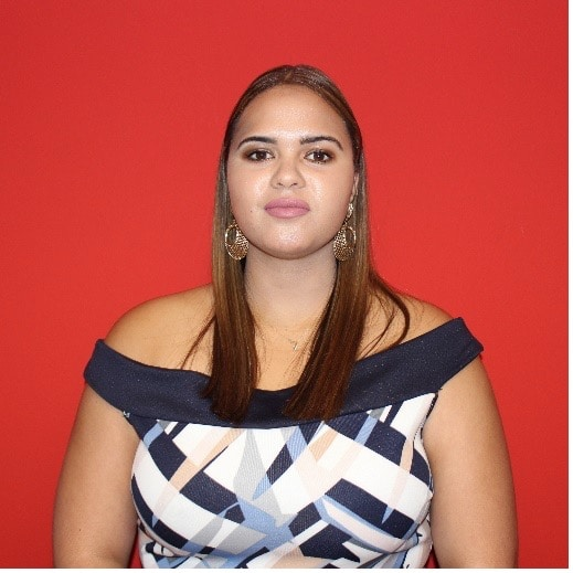 professional-photograph-of-zinita-jooste-lecturer-at-iqacademy-offices