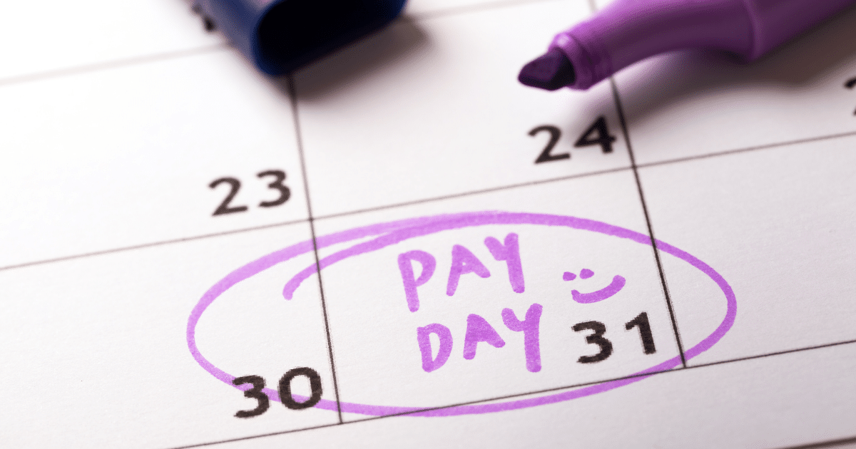 picture-of-calendar-showing-pay-day-describing-salaries-of-hr-professionals-in-south-africa-iq-academy